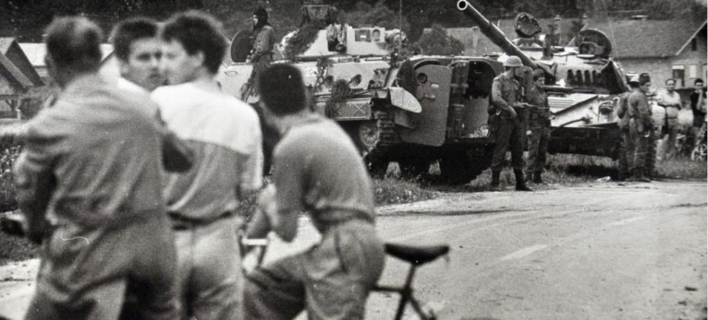 Ta slika ima prazen alt atribut; ime datoteke je osamosvojitvena-vojna-1024x463.png